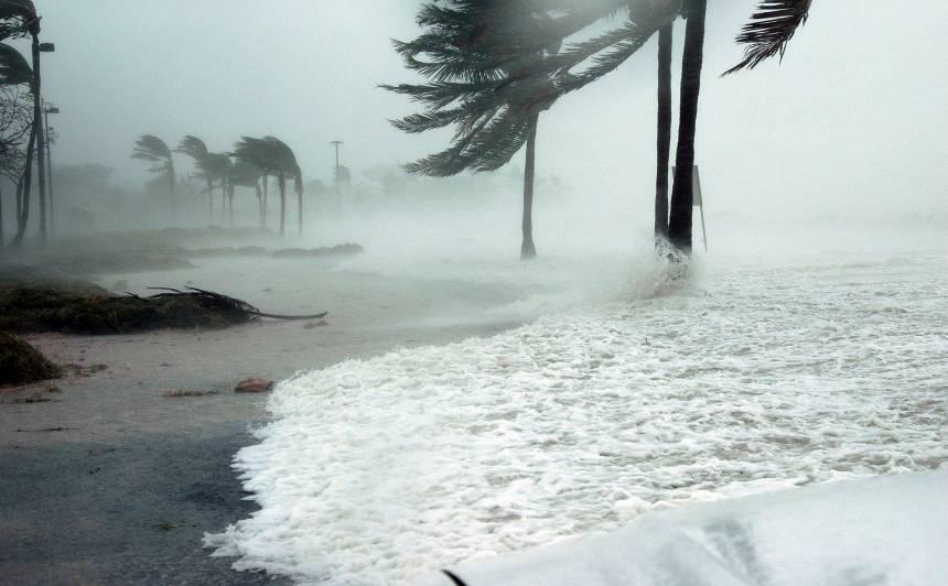 <strong>Daudzviet Eiropā vairākas dienas plosīsies vētra <em>Ciara</em>,</strong> skars arī Latviju