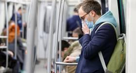 <strong>Vai sejas maska pasargā no vīrusa?</strong> 4 svarīgi jautājumi par jauno koronavīrusu