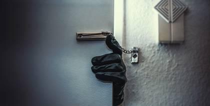 4 vienkārši padomi, kas palīdzēs <strong>pasargāt māju no zagļiem</strong>