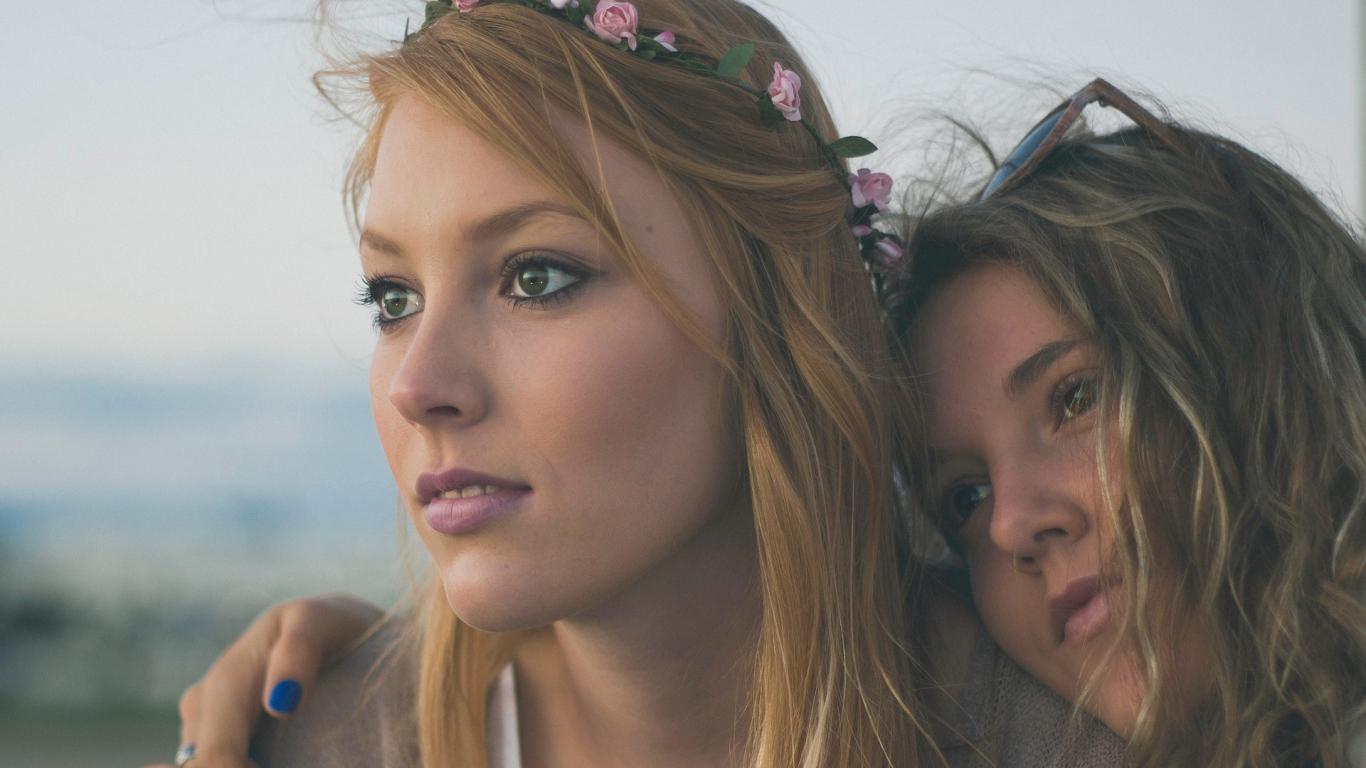 Kā <strong>uzlabot attiecības</strong> māsai ar māsu?