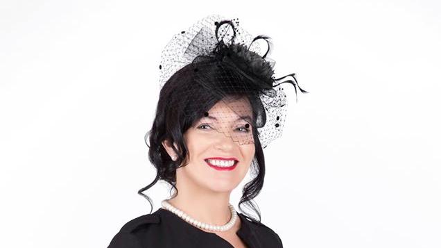 <strong>Labklājības ministre tiek pie karaliskas cepures</strong> — Petraviču kritika nebiedē!