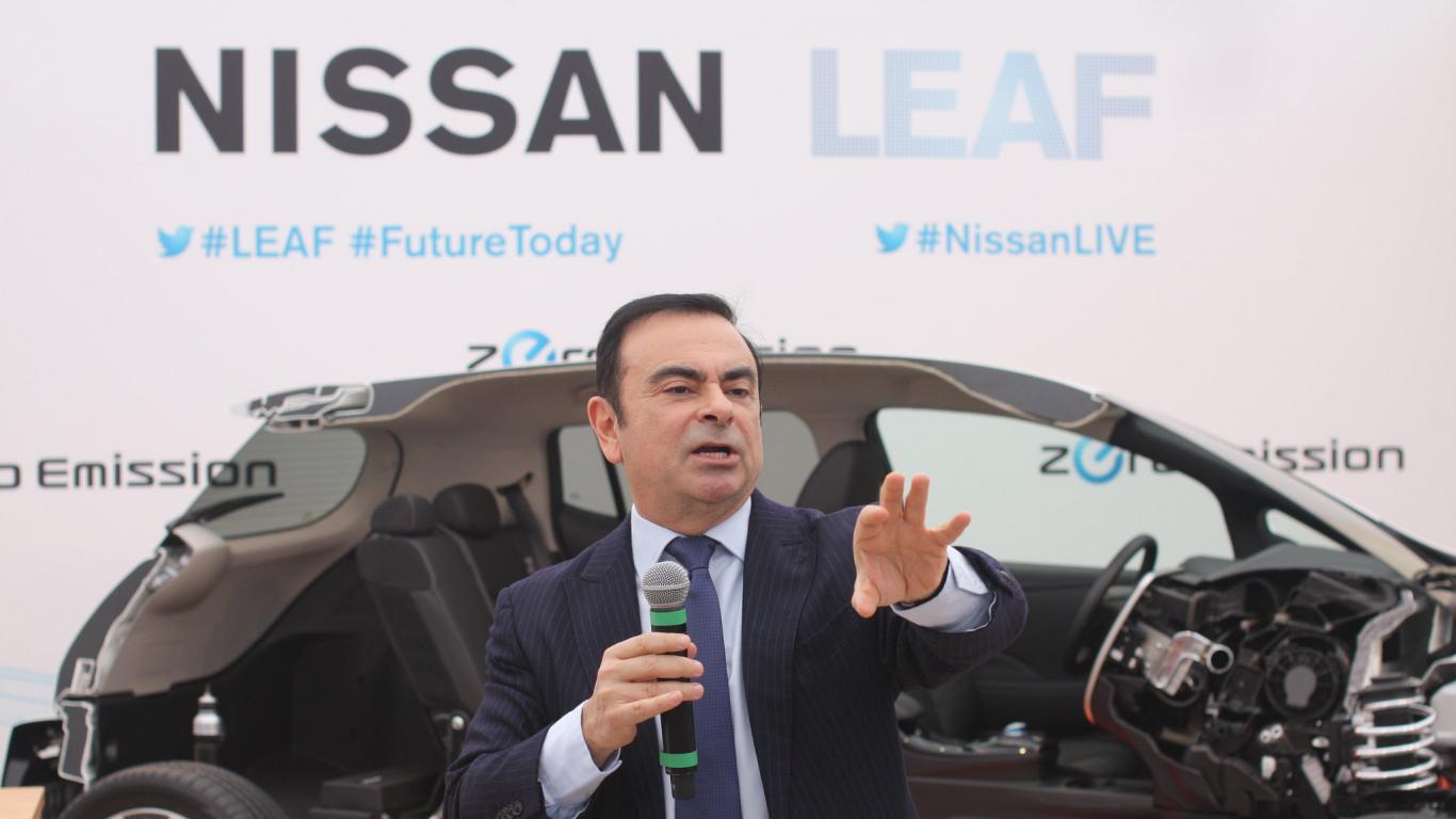 <em>Nissan</em> no bijušā uzņēmuma vadītāja Gosna vēlas <strong>piedzīt 83,5 miljonus eiro</strong>