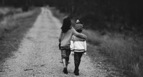 Vai <strong>aizliegt dēlam</strong> draudzēties ar nevēlamiem bērniem?