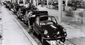 No korķu ražotāja līdz auto zīmolam — <strong><em>Mazda</em> svin 100. jubileju</strong>