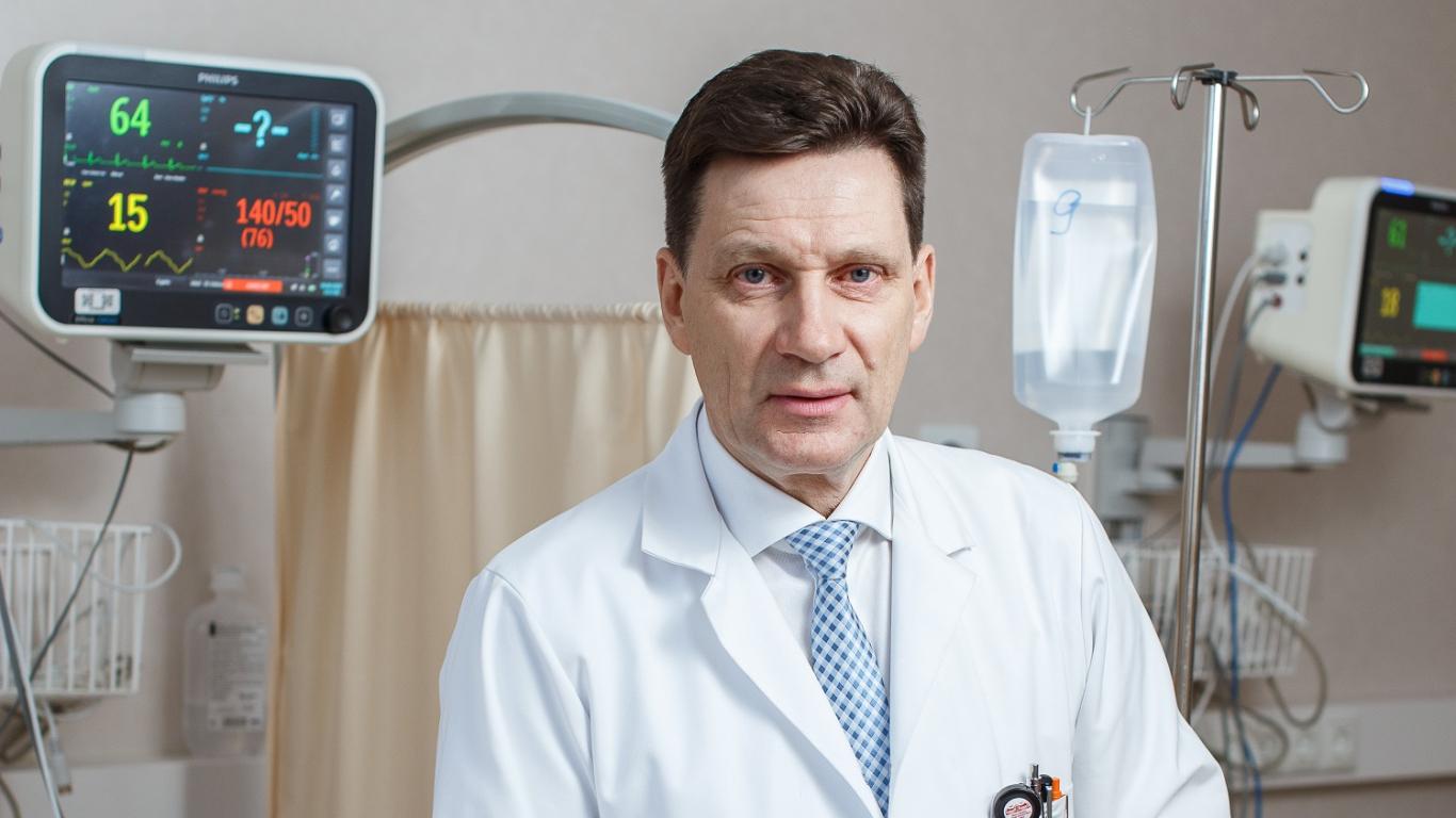 Triju Zvaigžņu ordeņa kavalieris Andrejs Millers: <strong>Āmuriņš un adatiņa joprojām ir neaizstājami neirologa darba instrumenti</strong>