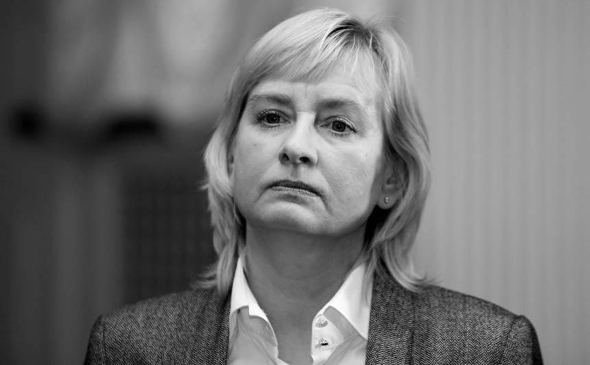 Mūžībā devusies Saeimas deputāte <strong>Juta Strīķe</strong>