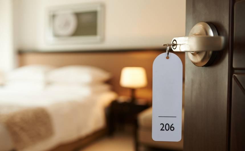 Rīgas viesnīcas pašizolācijai piedāvā <strong>nakstmītnes vairāk nekā 2000 cilvēku</strong>