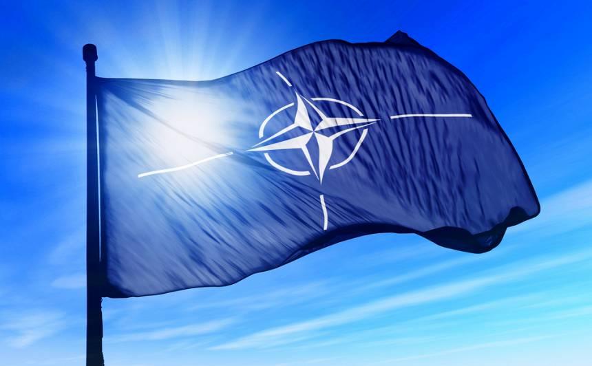 <strong>Viens no Latvijā dienošajiem NATO valsts karavīriem</strong> saslimis ar <em>Covid-19</em>