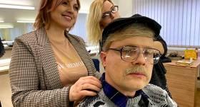 Video: Šefpavārs Valters Zirdziņš <strong>smalki izjoko šefpavāru Raimondu Zommeru</strong>