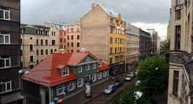 <strong>Šodien Rīgā auto satiksmei slēdz Ģertrūdes ielu,</strong> atvēlot to gājējiem un velobraucējiem