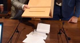 Koronavīrusa dēļ <strong>Rīgā mainīs atrašanās vietas</strong> vairākiem vēlēšanu iecirkņiem