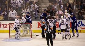NHL un NBA uz nenoteiktu laiku <strong>pārtrauc regulāro čempionātu</strong>