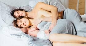 Vienā gultā ar zīdaini. <strong>Cik tas ir droši?</strong>