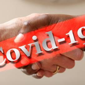 Jaunie <em>Covid-19</em> slimnieki ar vīrusu inficējušies Latvijā — <strong>ne visi gadījumi ir izsekojami</strong>