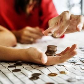 Padomi <strong>ģimenes finanšu pārskatīšanai</strong> pandēmijas laikā
