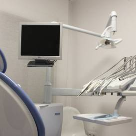 Pagājušajā nedēļā <strong>saslimstība ar <em>Covid-19</em> konstatēta trim stomatologiem Rīgā</strong>