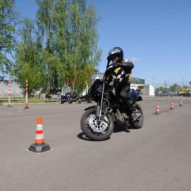 CSDD atsāks pieņemt <strong>motociklu un mopēdu vadīšanas eksāmenus</strong>