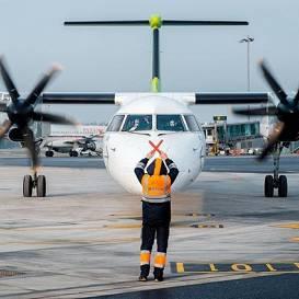<strong>Koronavīrusa krīze <em>airBaltic</em></strong> — tiek atlaisti vēl 100 darbinieki