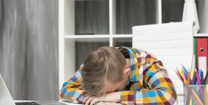 Jaunieši cieš no <strong>nepietiekama miega daudzuma</strong>