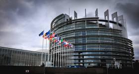 <strong>No <em>Covid-19</em> miris</strong> Eiropas Parlamenta darbinieks