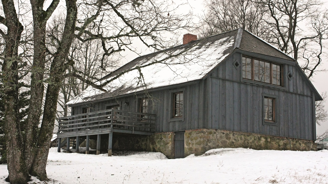 Notikumu nams Vecpiebalgā-<strong>lauku māja-īres nams</strong>