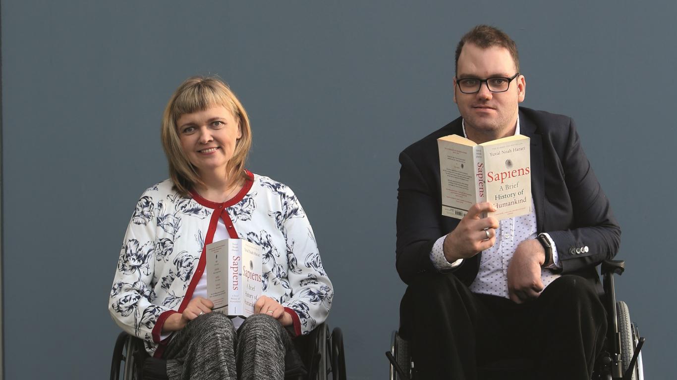 Mīlestība ratiņkrēslos: <strong>Nevaram viens no otra aizbēgt…</strong>