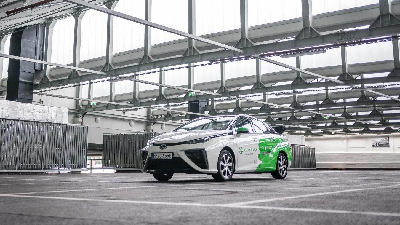 Pārvadājumu uzņēmuma <strong><em>Toyota Mirai</em> nobraukuši 5 miljonus kilometru</strong>