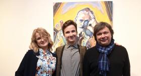 Mākslinieks JEGORS BUIMISTERS ar tēti IGORU un mammu MARIJU.