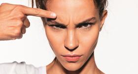 Kā nogludināt <strong>dusmu rievu pierē?</strong>