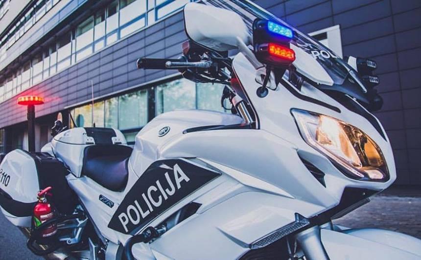 Uz ielām <strong>atgriežas policijas motoekipāžas</strong>