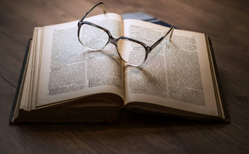 <strong>Labas grāmatas,</strong> ko izlasīt #paliecmājās režīmā