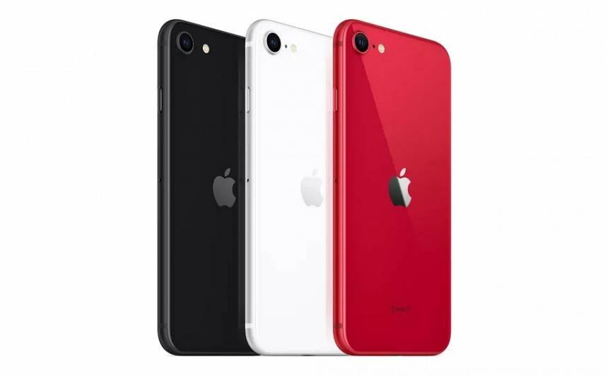 Krīzes <em>iPhone</em> — <strong><em>Apple</em> prezentē pazeminātas cenas modeli</strong>
