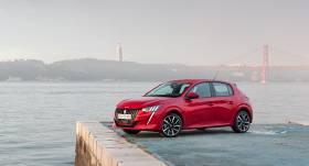 <em>Peugeot</em> dizains novērtēts ar <strong>prestižajiem <em>Red Dot</em> apbalvojumiem</strong>