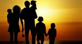 Turpmāk <strong>daudzbērnu ģimenes nodokļu atvieglojumus</strong> varēs izmantot arī maksājot e-vidē