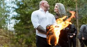 FOTO: <strong>Pagānu kāzas meža vidū</strong> — latviete apprecas ar pasaulslavenu arhitektu