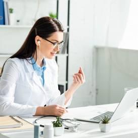 Būtiski pieaug <strong>mediķu konsultācijas tiešsaistē</strong>
