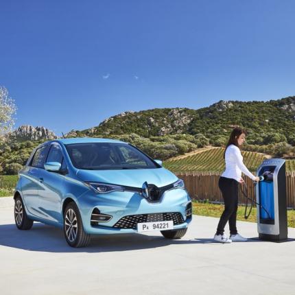 <strong><em>Renault ZOE</em></strong> — Eiropas elektromobiļu tirgus līderis