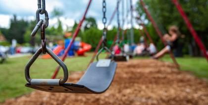<strong>Bērnu drošība vasarā:</strong> 5 jautājumi, kas jāpārrunā ar bērniem