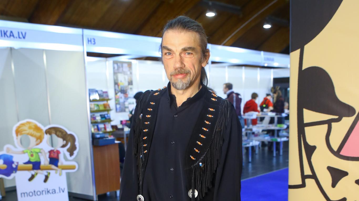 Šamanis Ivo Puriņš atklāj <strong>pārsteidzošus faktus par Krievijas ekstrasensu šova aizkulisēm</strong>