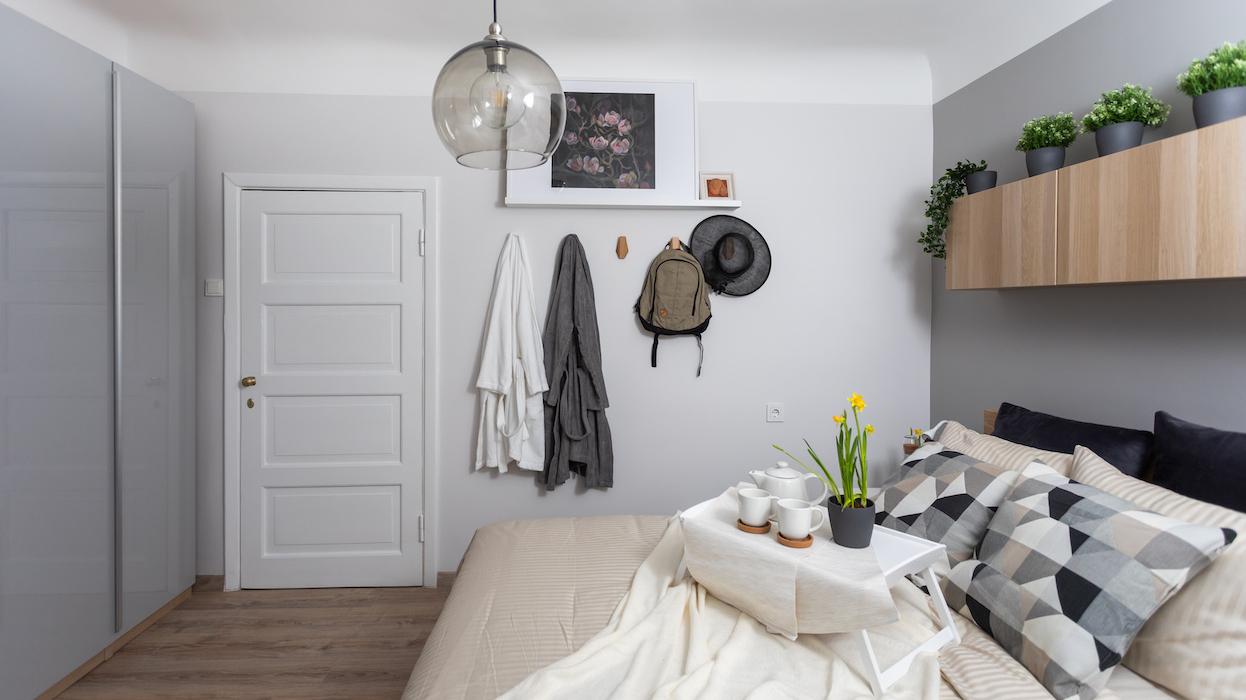 Dizainera ieteikumi: uzlabojumi guļamistabas interjerā, <strong>kas nemaksās vairāk par 10 eiro</strong>