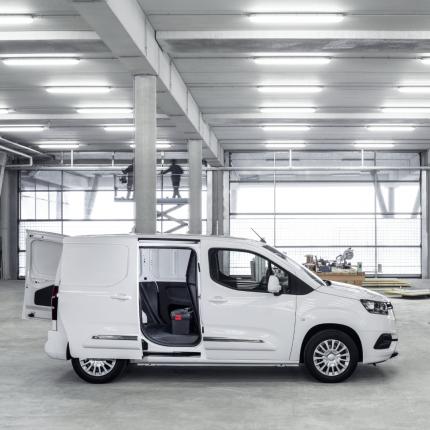 Latvijā prezentēts <strong><em>Toyota Proace City Van</em></strong> komercauto