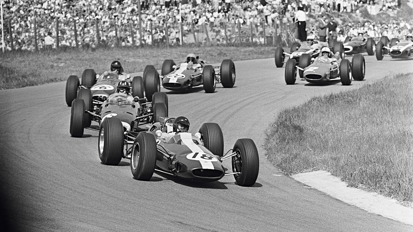 Autosporta granddāmai F1 – 70 gadi