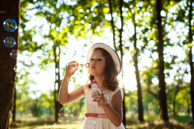 Vecākiem svarīgs jautājums: <strong>vai vakcinēt bērnu pret ērču encefalītu?</strong>