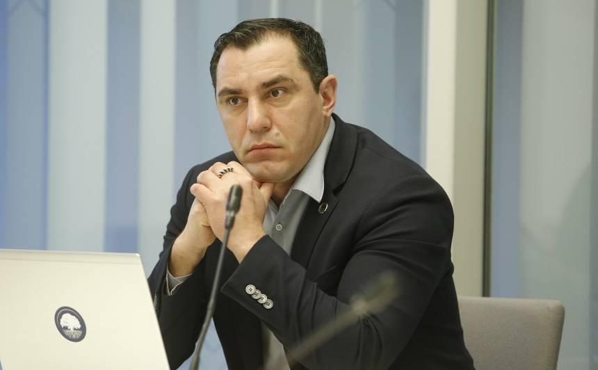 Saeimas deputāts Sandis Riekstiņš: <strong>Apsveicami, ka pazudusi liekā runāšana</strong>