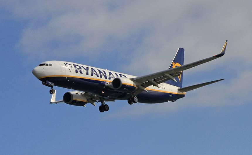 <em>Ryanair</em> no 1. jūlija <strong>atjaunos 40% lidojumu</strong>