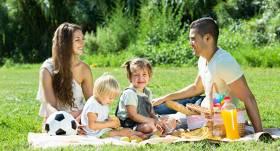 Ko likt pārgājiena ceļasomā, lai <strong>bērni paēstu gardi un veselīgi?</strong>