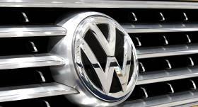 <em>VW</em> kompensācijās <em>dīzeļgeitas</em> skartajiem autoīpašniekiem <strong>izmaksājis vairāk nekā 750 miljonus eiro</strong>