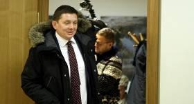 Deputātu kašķi Saeimā – <strong>Kaimiņš Gobzemam sasola <em>pa zobiem</em></strong>