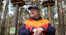 FOTO: Aktieris Imants Strads <strong>atjauno vēsturisku ēku Valmierā</strong>