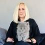Uzņēmēja <strong>Marika Ģederte kaķenei izvēlas īpašu vārdu,</strong> lai piesauktu sapņu ceļojumu